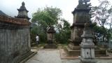 Khu vực trong vườn tháp Huệ Quang, phía sau lăng Quy Đức