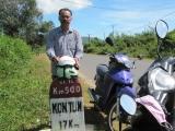 Cột cây số 500km, QL.14. Còn cách Kontum 17km