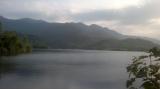Trang trại An lạc nhìn ra hồ Láng Nhớt trong cảnh hoàng hôn