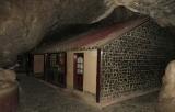 Chùa được xây trong Thạch Động - Hà Tiên - Kiên Giang