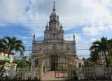 Nhà thờ lớn ở cù lao Giêng , được xây rất sớm , trước cả nhà thờ Đức Bà - Saigon