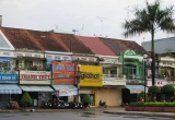 Long Xuyên vẫn còn có vài dãy phố nhà kiểu cũ trong trung tâm thành phố