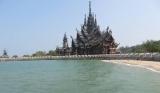 Đền Sanctuary of Truth , nhìn từ phía bờ biển