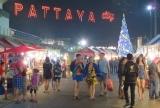 Khu phố đi bộ ở Pattaya , về đêm