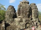 Đền Bayon với muôn vàn tháp 4 mặt , trong Angkor Thom .