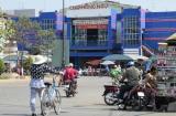 Thị xã Hồng Ngự - Đồng Tháp , bên sông Tiền
