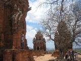 Cảnh quan ba tháp