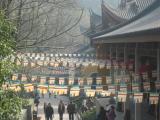 Sân chùa ngày Lễ
