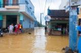 Nước ngập tại đoạn đường Hùng Vương gần Ngã 3 Phú Tài